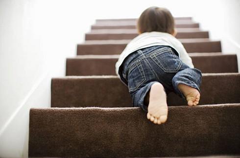 securite-enfant-escalier