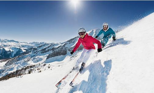 deux skieurs montagne